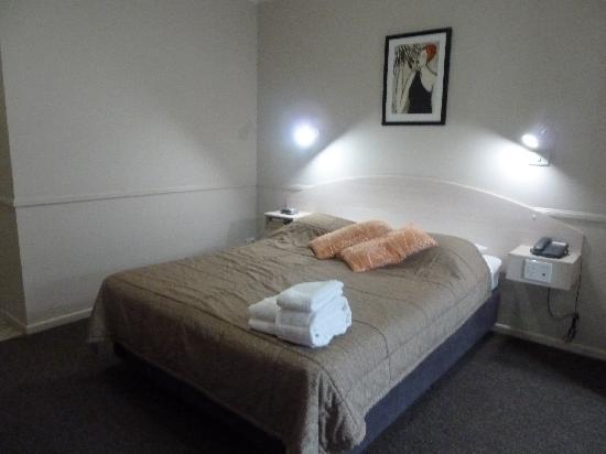 Comfort Inn Cairns City: Bedroom area
