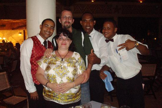 Majestic Colonial Punta Cana: Dinner the last night, Ogledy, Migel & Jose Luis. These guys are awesome!