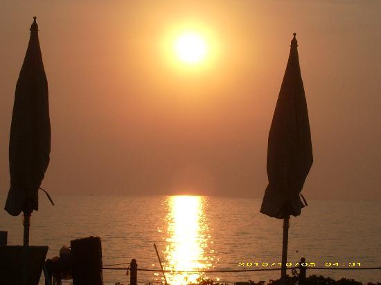 Villaggio Stella del Sud : tramonto dal terrazzo della mia camera