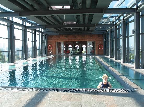 andel's by Vienna House Lodz: The beautiful rooftop pool