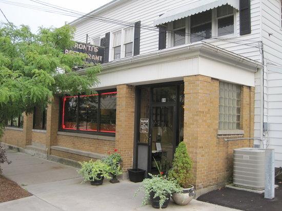 Torrey Park Grill: Front door