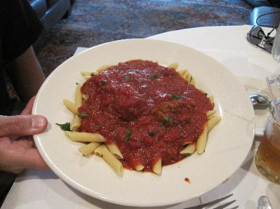 Torrey Park Grill : Penne with meatballs and sauce