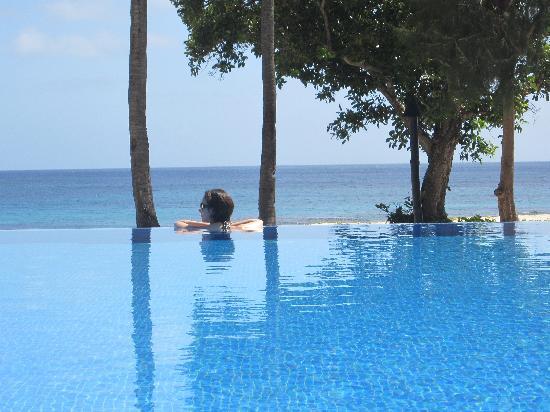 Yasawa Island Resort and Spa : the infinity pool