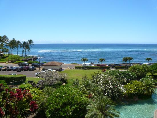 Lawai Beach Resort : View of the beach from the 4th floor