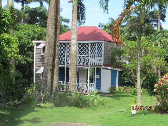 The Hermitage Plantation Inn: The Blue House