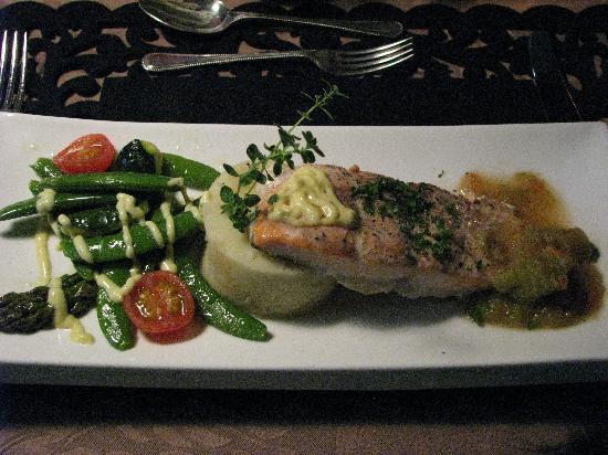 Plumes et Glisse: Délicieux plat de saumon