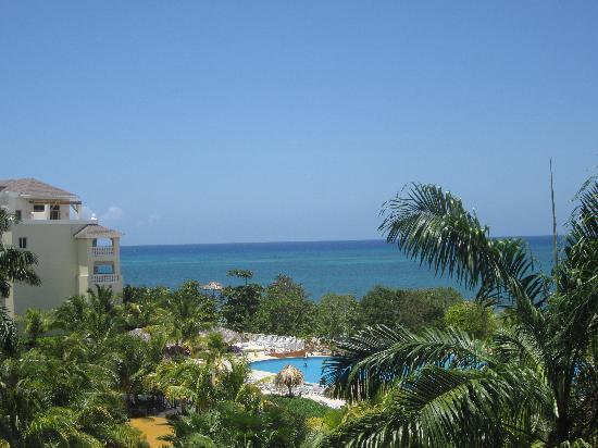 Iberostar Rose Hall Beach Hotel: View from standard room