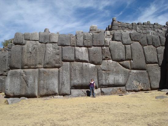 Sacsayhuamán: Walls