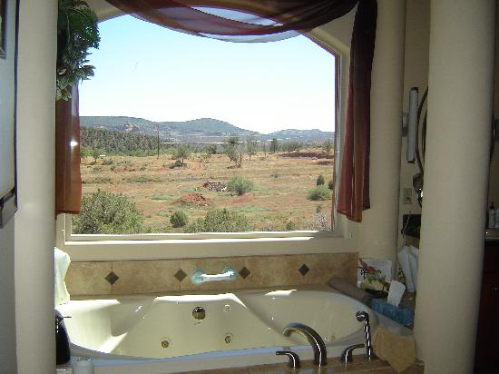 Sedona Cathedral Hideaway: Recommended - a moonlight bath