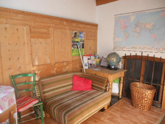 Nepomuks B&B Backpackers Hostel Innsbruck: liwing room