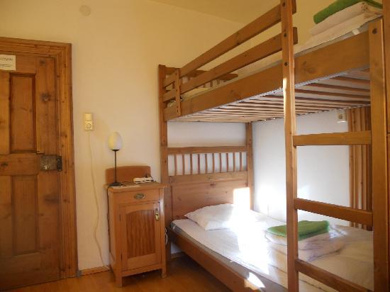 Nepomuks B&B Backpackers Hostel Innsbruck: rooms