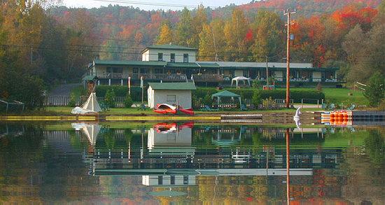 هوتل - موتل لو بواس دو لاك: Vue du lac