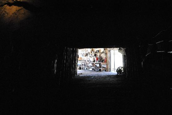 Bellevue Underground Mine: A few meters in, and everything is VERY dark!