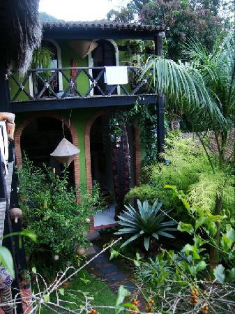 Pousada vivenda das Bromelias : jardin interno