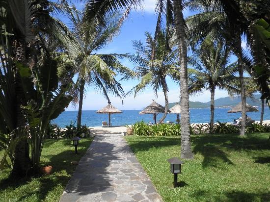 Evason Ana Mandara Nha Trang: ビーチへの道