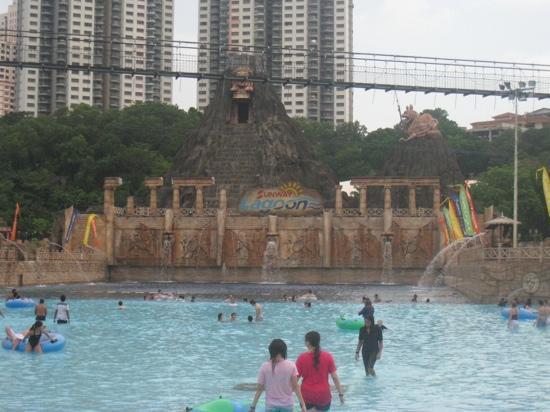 Petaling Jaya, Malaysia: sunway lagoon