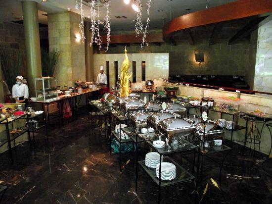 The Four Wings Hotel : Dining