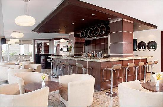 Holiday Inn Dar Es Salaam City Centre: Bar@ONE