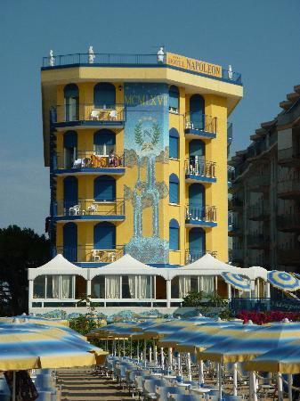 Hotel Napoleon : dalla spiggia