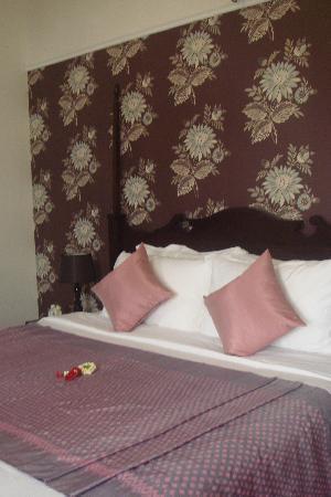 Praya Palazzo: Bed