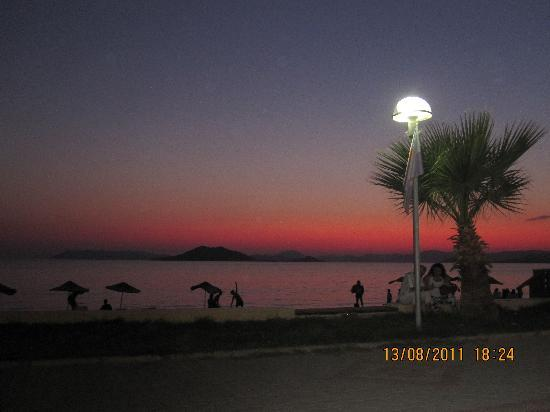 Golden Moon Hotel: Calis Sunset