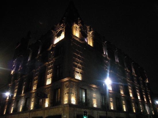 Hampton Inn & Suites Mexico City - Centro Historico: Hampton Inns by Night