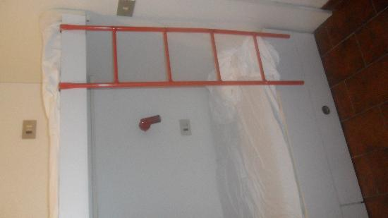 scala per il letto a castello inadeguata - Foto di Residence ...