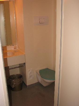 Expo Hôtel : Bathroom