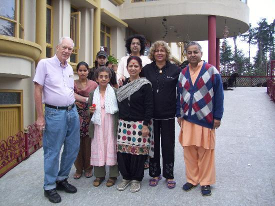 Aapo Aap Home Stay: Our hosts at the hotel  Shivi and family