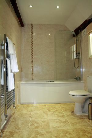 Limes Hotel: bathroom