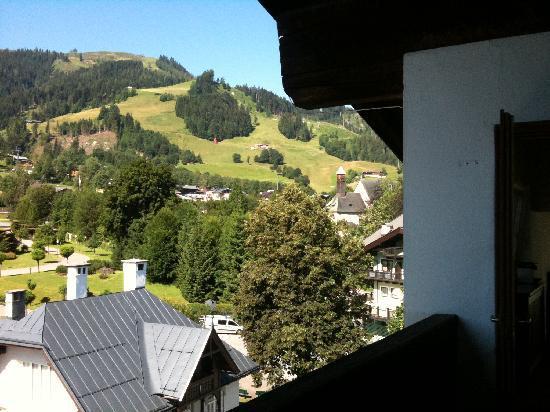 Q! Hotel Maria Theresia: Blick vom Balkon auf die Streif