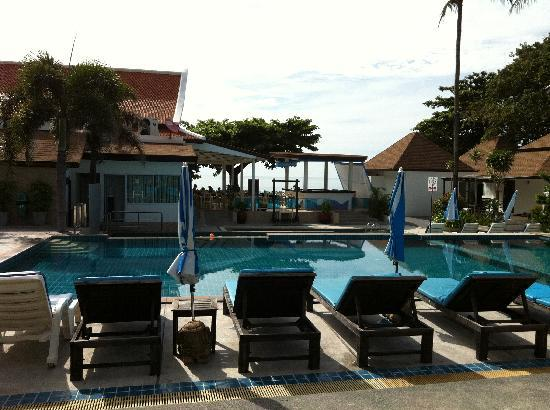 Chaweng Budget Hotel: Piscina