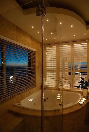 Atlantique Villa Camps Bay: Bathroom 4 View