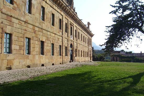 Agriturismo Busambra: Palazzo Reale