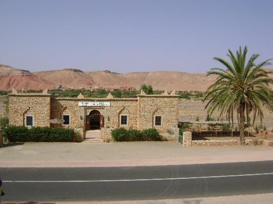 Kasbah Imini: magnifique château de pierres, posé comme par magie à 20 mn de AIT BEN HADDOU