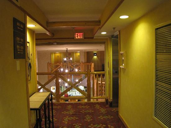 Brewster's Mountain Lodge: Hotel's interior