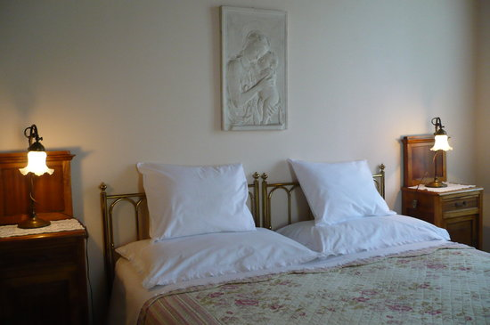 B&B Villa dei Pini: camera rosa