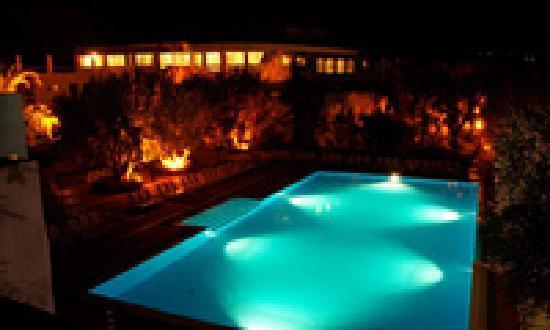 Hotel Torre Oliva: Piscina Notte