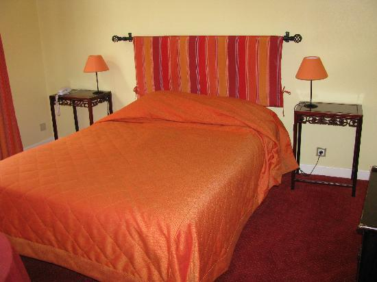 Hotel Elizabeth : bed