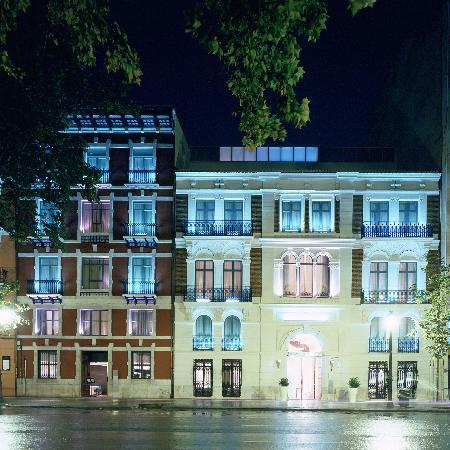 Hospes Palau de la Mar Hotel : Fachada vista nocturna