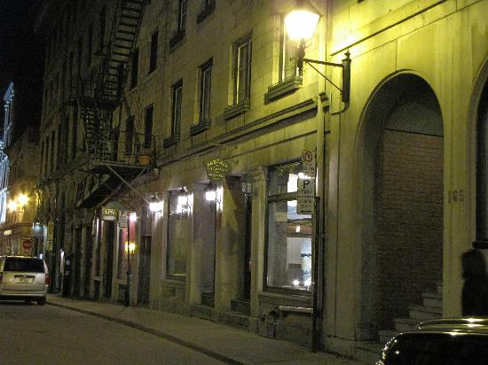 Epik Hotel Montreal : Exterior of Auberge