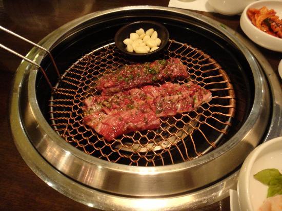 Hanok (Cheongdam): 料理(味付きカルビ)2