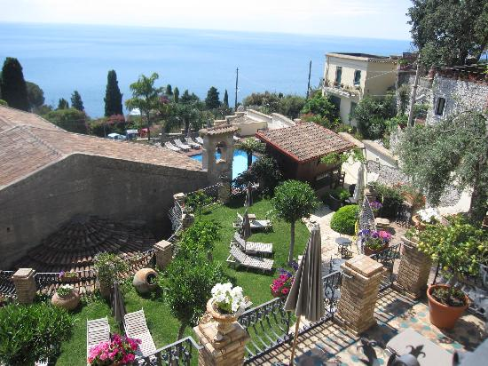 Hotel Villa Carlotta : View from our room