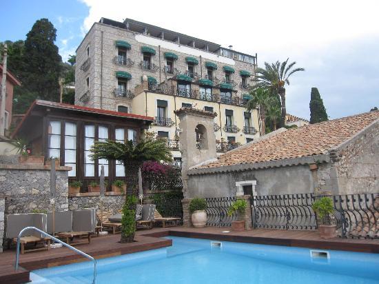 Hotel Villa Carlotta : Back of hotel