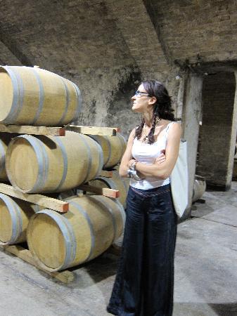 Il Fontanaro: Alina giving us a wine tour