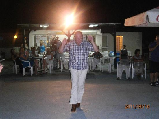 Bahamas Hotel: greek night2