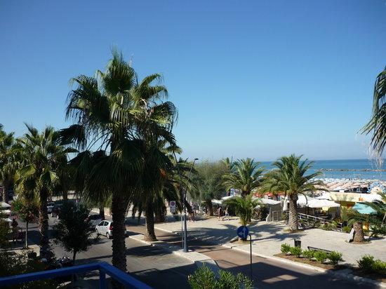 Hotel Tamanaco : Vista dalla camera