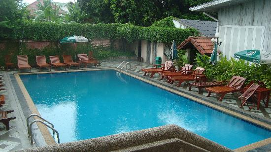 Chiang Mai Gate Hotel: pool