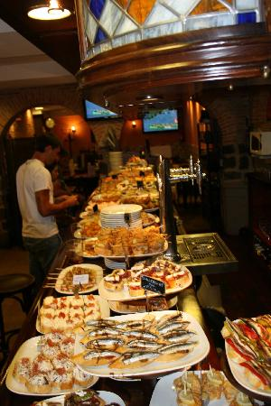 "many fantastic tapas in the ""Politena"""