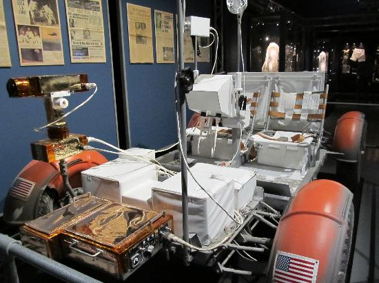 National Museum of Science and Technology: NASA Exhibit - Lunar Rover